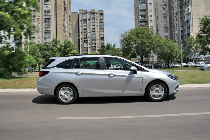 Auto magazin Opel Astra ST CDTI 011