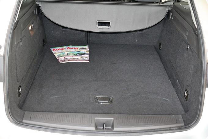 Auto magazin Opel Astra ST CDTI 04