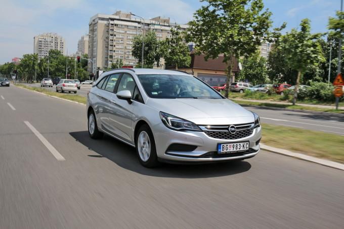 Auto magazin Opel Astra ST CDTI 05