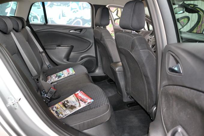 Auto magazin Opel Astra ST CDTI 08