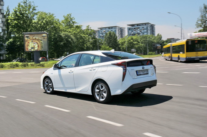 Auto magazin Toyota Prius 4 Executive 2016 test review