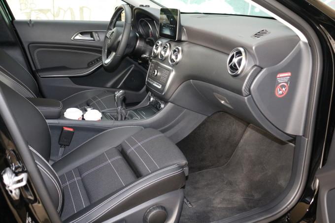 Auto magazin Mercedes A180d 010