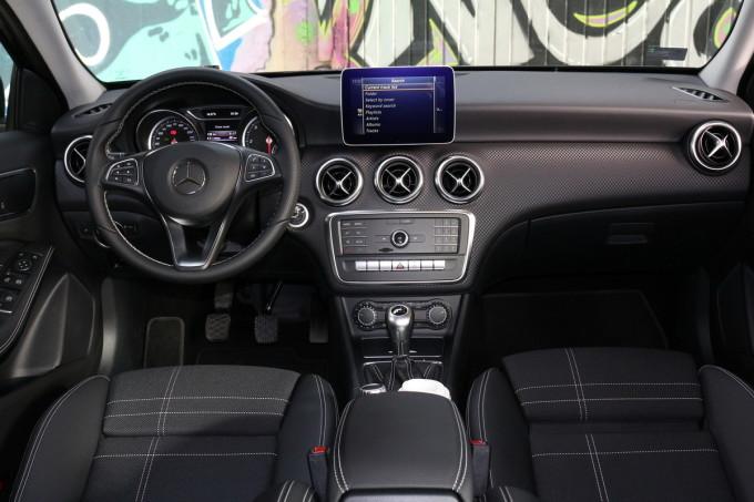 Auto magazin Mercedes A180d 012