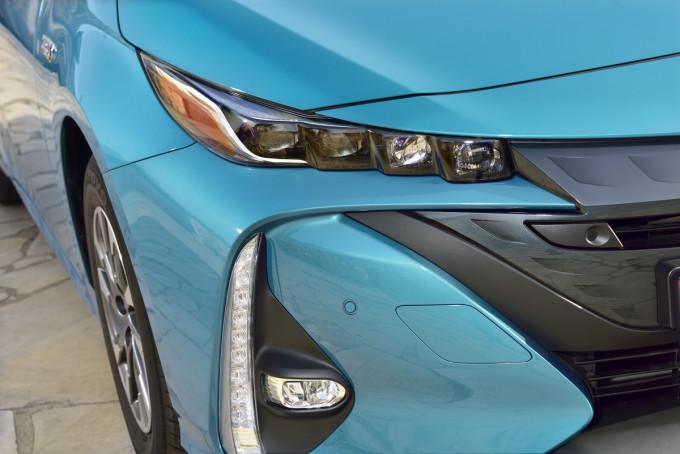 Auto magazin toyota prius plug in promocija preview 2017
