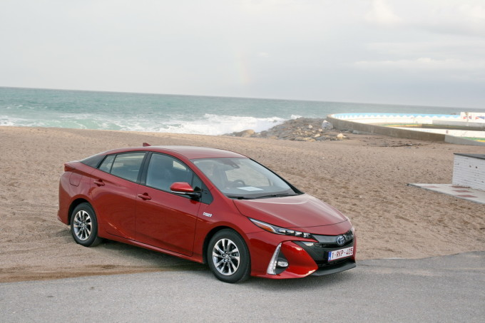 Auto magazin toyota prius plug in promocija preview 2017