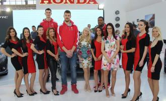 Košarkaši Crvene zvezde posetili štand Honde