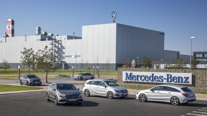 Auto magazim mercedes kompaktna klasa i AMG vožnja po Hungatoringu