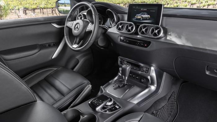 auto-magazin-srbija-mercedes-benz-x-class