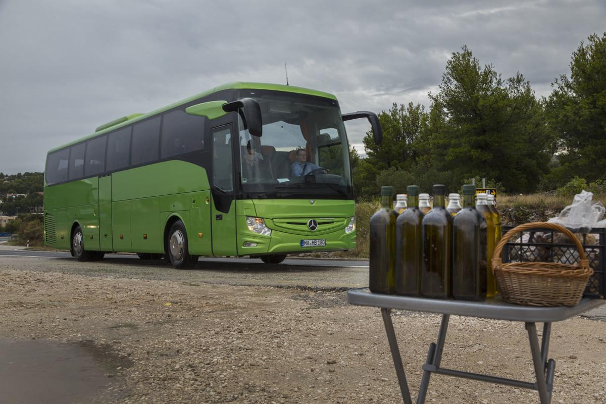 Auto magazin Srbija Mercedes Tourismo Split