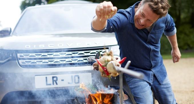 Jamie Oliver kuva na Land Roveru Discovery