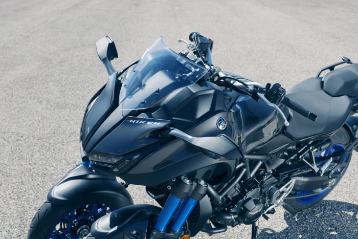 Yamaha Niken (4)