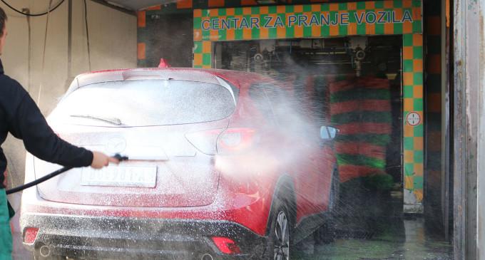 Kvalitetno i povoljno pranje automobila u Tošinom bunaru