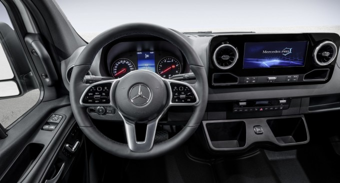 Otkrivena unutrašnjost novog Mercedes Sprintera