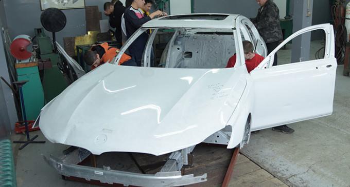 BMW donirao karoseriju nove Serije 7 Tehničkoj školi GSP