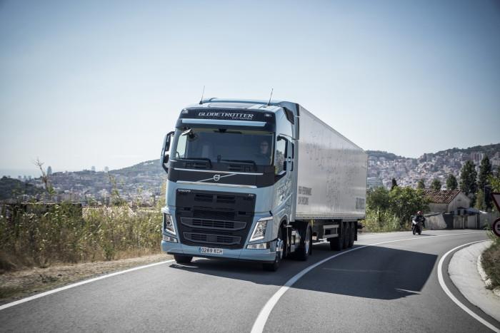 Volvo-Trucks-02