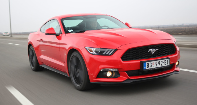 TEST: Ford Mustang Fastback 2.3 GTDi EcoBoost M6
