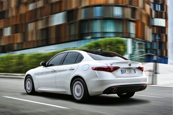 Alfa-Romeo-Giulia-Veloce-and-Giulia-Advanced-Efficiency-4