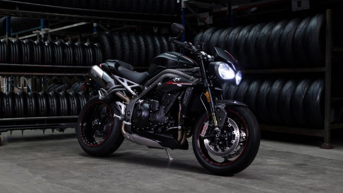 Auto magazin Triumph-Speed-Triple (3)