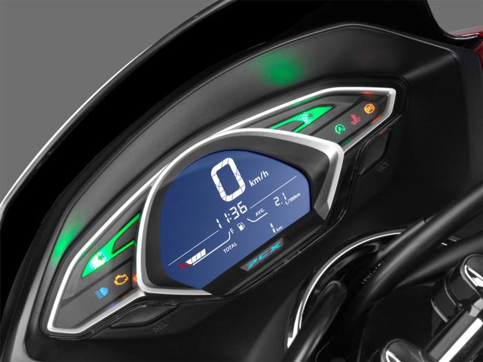 Auto-magazin-Honda-PCX-1
