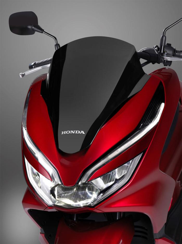 Auto-magazin-Honda-PCX