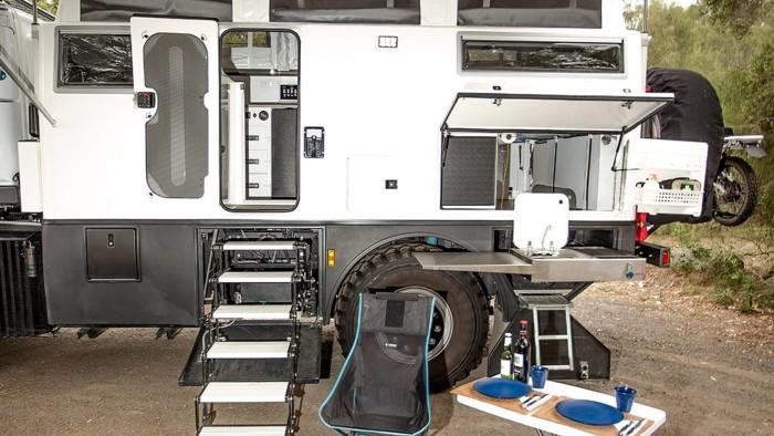 auto-magazin-srbija-earthcruiser-mercedes-unimog-explorer-xpr440