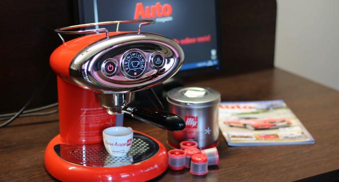 Pre i posle vožnje testiramo dobar espresso: Illy X7
