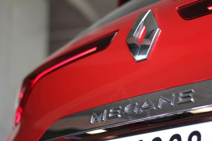 Auto magazin Srbija Test Renault Mégane Estate Intens Blue dCi 115