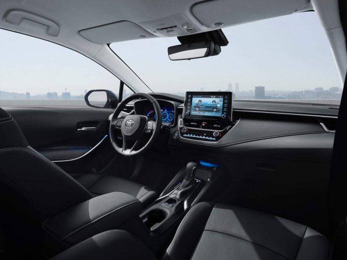 auto-magazin-srbija-2020-toyota-corolla-sedan