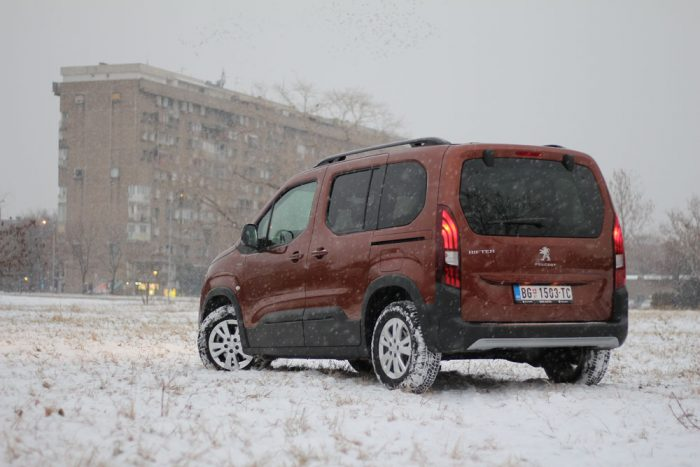 auto magazin srbija test peugeot rifter