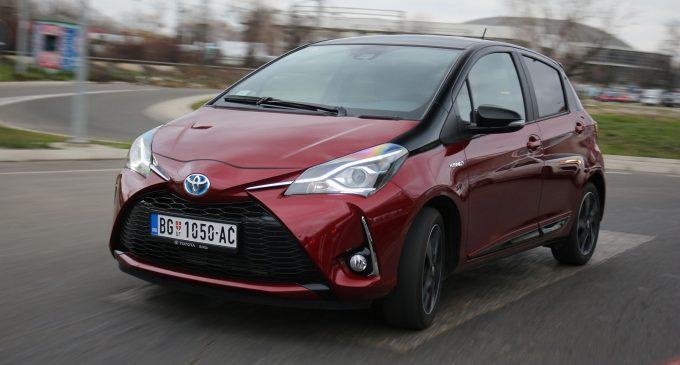 TEST: Toyota Yaris Hybrid Bi-Tone