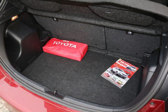 auto magazin srbija test toyota yaris hybrid