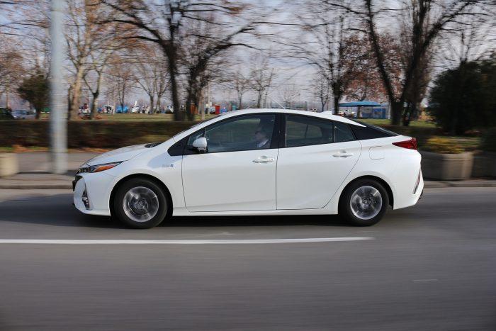 Auto magazin Srbija Test Toyota Prius Plug-In Hybrid Sol