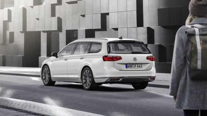 auto-magazin-srbija-2019-vw-passat-facelift