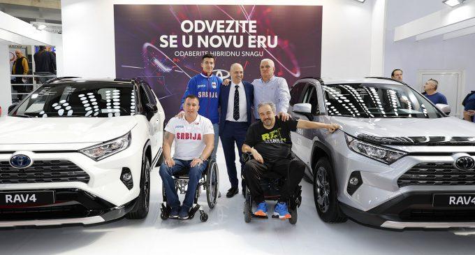 Paraolimpijci posetili štand Toyote