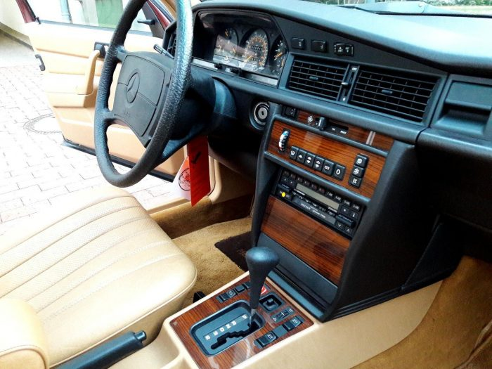 Auto-magazin-Srbija-1986-mercedes-benz-190e-2.3