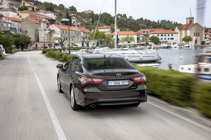 auto magazin srbija 2019 toyota camry test