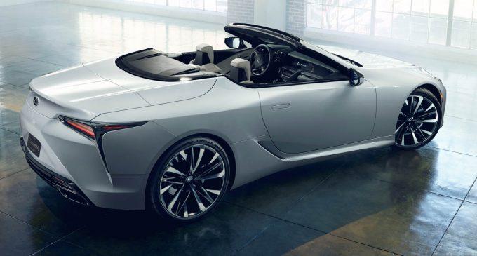 Lexus slavi 30. rođendan na Chantilly Arts & Elegance Richard Mille
