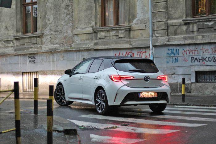 auto magazin srbija test toyota corolla hybrid iskustva