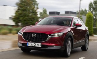 Nova Mazda CX-30 je naše test vozilo od Barselone do Đirone