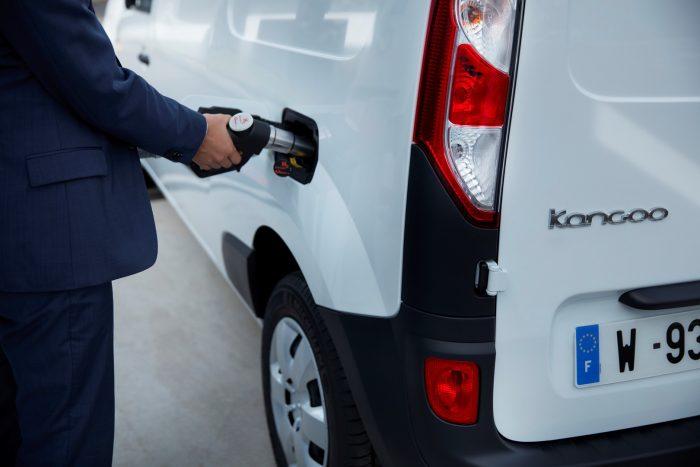 auto-magazin-srbija-2020-renault-kangoo-master-ze-hydrogen