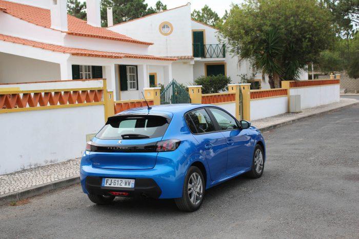 auto magazin srbija test peugeot 208