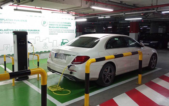 Auto magazin Srbija Test Mercedes E 220 de 4MATIC Plug-In Hybrid