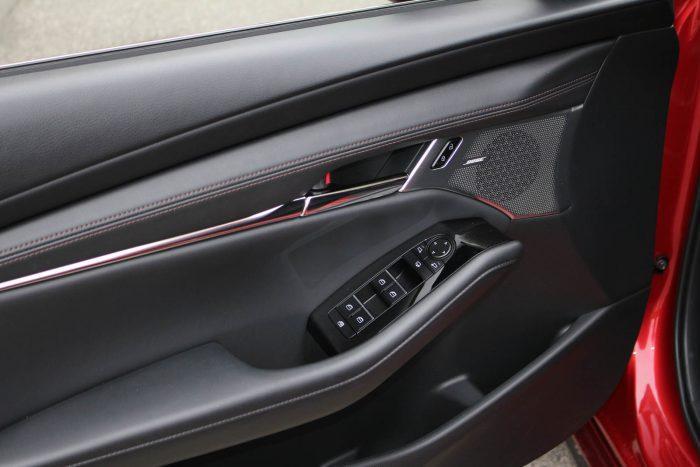 Auto magazin Srbija Test Mazda 3 Skyactiv-G122 Plus
