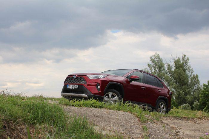 Auto magazin Srbija Test Toyota RAV4 Hybrid AWD