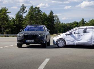 Nova Mercedes S-Klasa će se podizati neposredno pre sudara