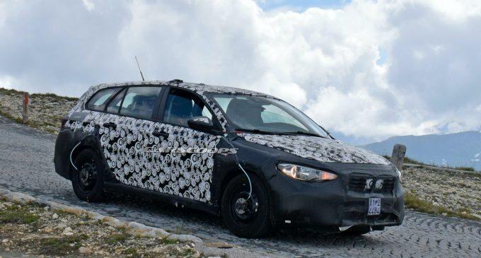 Kamuflirani Fiat Tipo krije potpuno novi model?