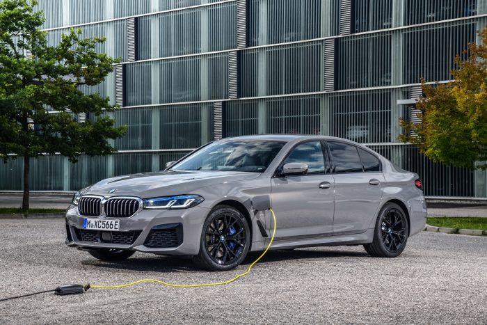 Auto-magazin-Srbija-BMW-545e-xDrive-PHEV