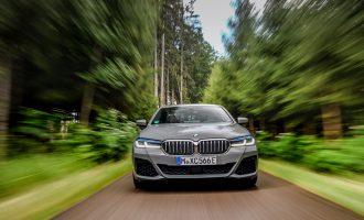 """BMW 545e xDrive je druga, snažnija hibridna """"petica"""""""