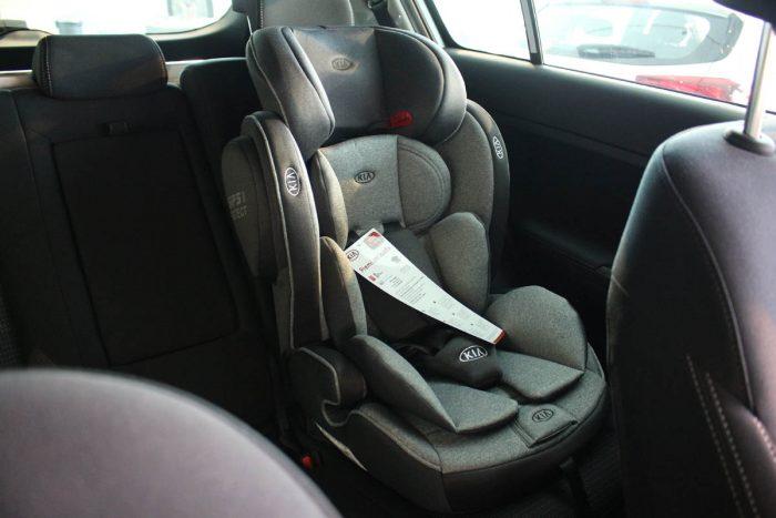 kia dečije auto sedište