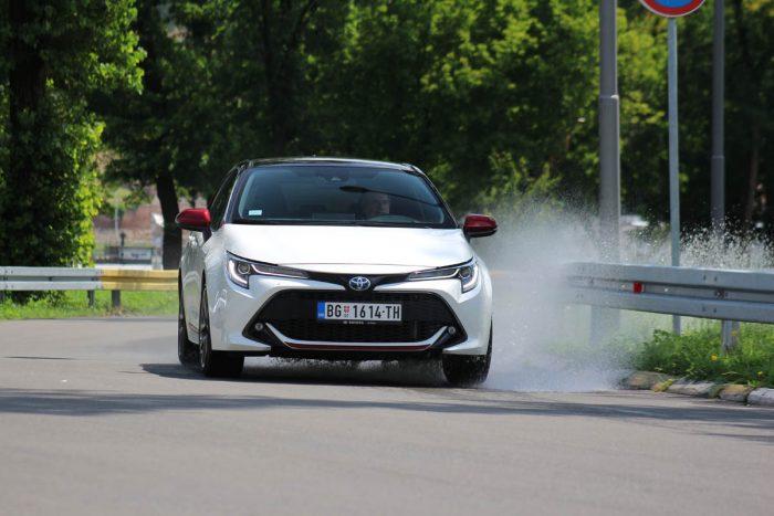 Auto magazin Srbija Test Toyota Corolla HB 1.8 Hybrid GR Sport